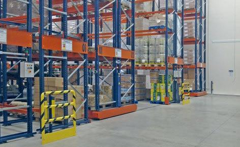 Duplicar la capacidad de almacenamiento y reducir los costos con racks móviles Movirack