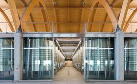 El depósito de Bodegas Protos posee una superficie de 19.450 m2 y está dividido en diferentes plantas