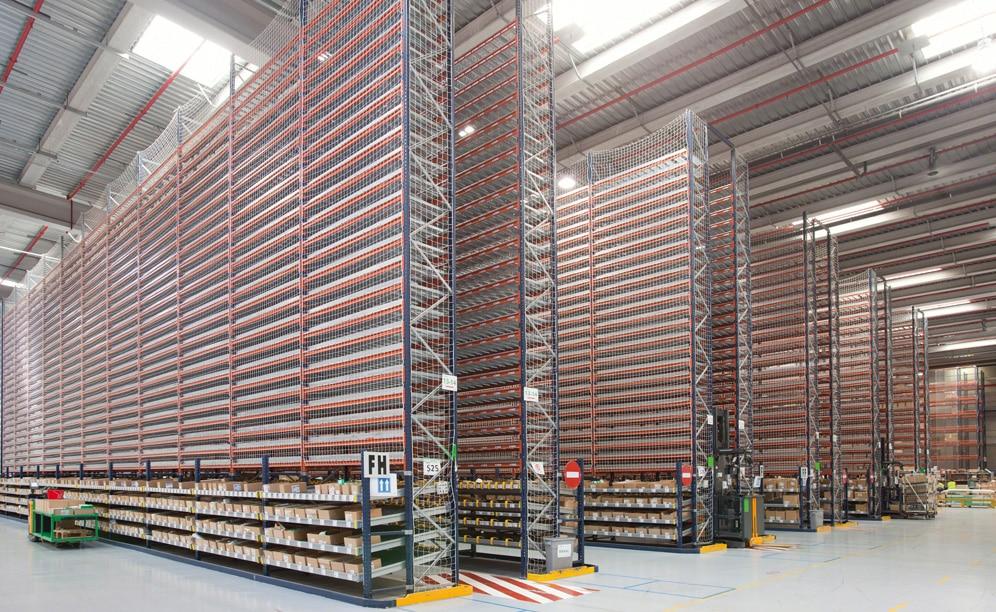 El nuevo depósito de 22.000 m² está equipado con distintos sistemas de almacenamiento que se adaptan a su amplia variedad de productos