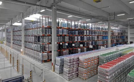El centro logístico de Santa-Trans puede depositar 11.115 pallets