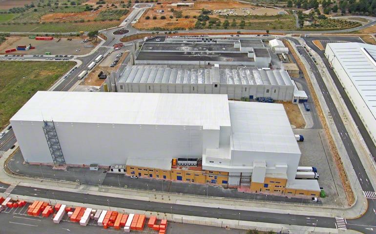 Depósito central dedicado a la producción y distribución de masas congeladas para el sector de la alimentación