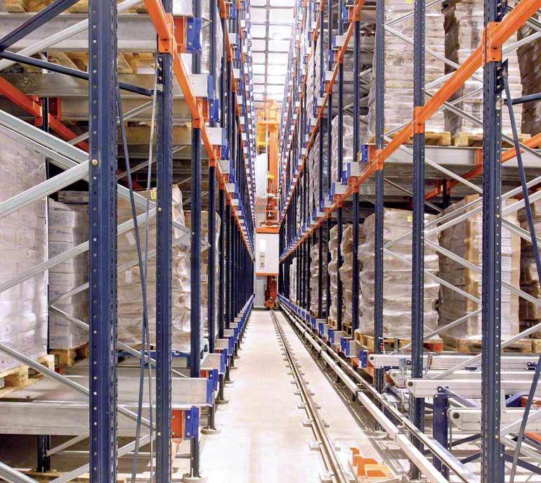 Depósito/cámara frigorífica dedicada al envasado y distribución de pescados y mariscos.