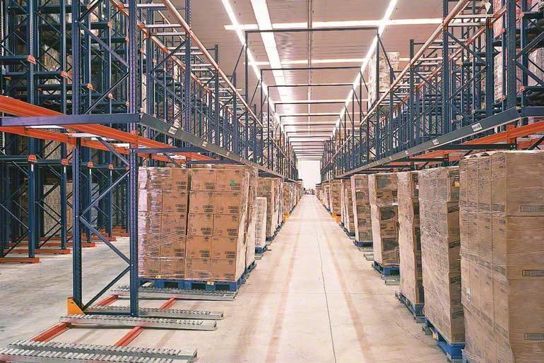 Depósito instalado para empresa del sector de la distribución
