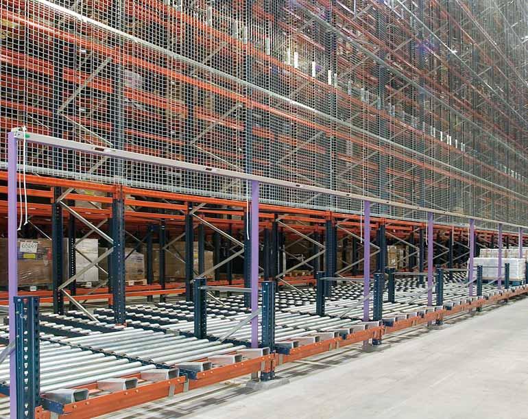 Sistemas de picking en el lateral de un depósito automático.