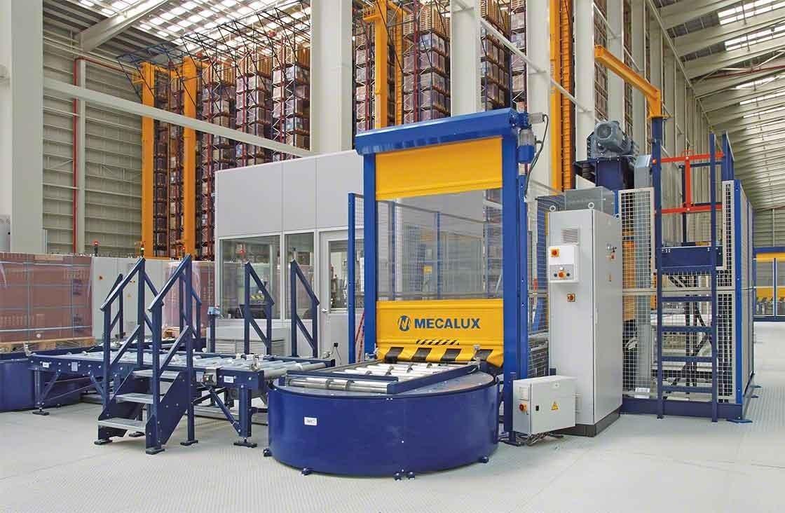 En depósitos automáticos, el puesto de inspección de pallets se encarga de realizar el control de calidad tras la recepción de mercaderías