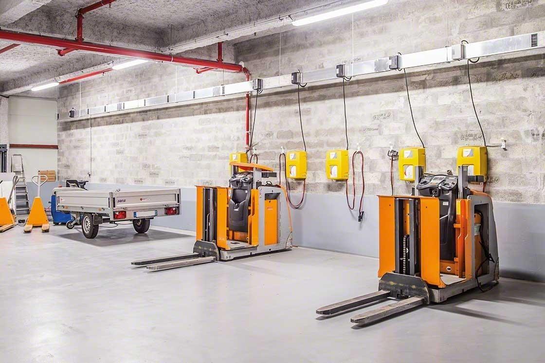 La zona del depósito para el mantenimiento de los equipos debe cumplir todas las normas de seguridad