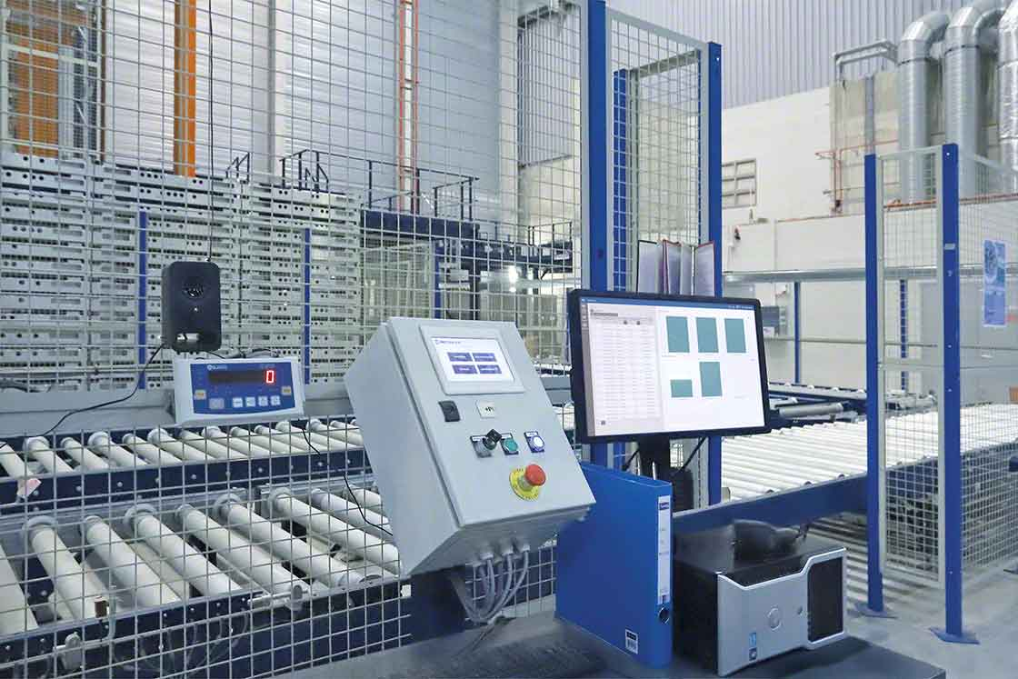 El sistema de control de los sistemas automáticos recibe actualizaciones periódicas al igual que el SGA